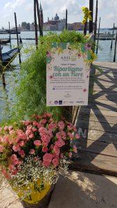 """Florovivaismo, gondola fiorita di Coldiretti per denunciare crack da 1,5 miliardi e """"ripartire con un fiore"""""""